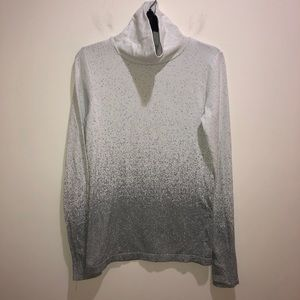 Athleta Sz L Gray Textured Long Sleeve Turtleneck